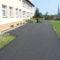 Plac przed szkołą w Rzepienniku Suchym po